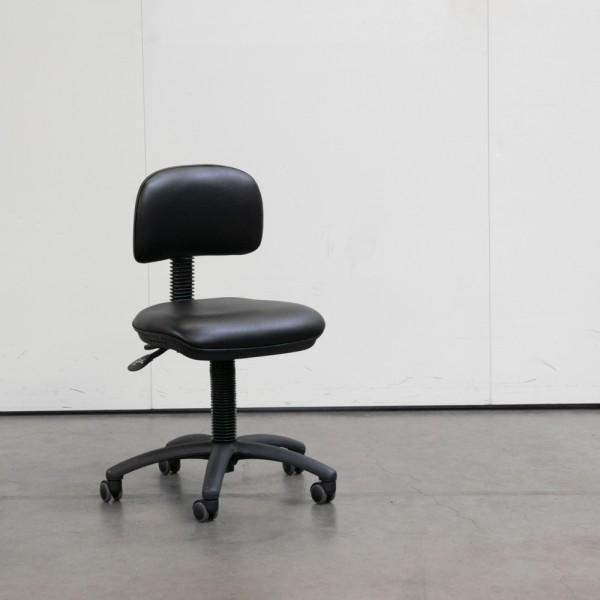 Stuhl Small in Schwarz, Ausstellungsstück H11